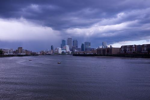 Rain over Canary Wharf ©  Still ePsiLoN