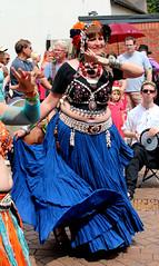 Barefoot Bellydance, Warwick Folk Festival 2014 (kestrel49) Tags: uk england europe britain 14 gb warwick warwickshire bellydancers streetfestival folkfestival 2014 exoticdancers barefootbellydance