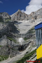 IMG_0283 (Pfluegl) Tags: wallpaper berg christian alpen dachstein steiermark gondel seilbahn hintergrund pfluegl ramsau hchster kalkalpen sdwand dachsteinsdwand bersterreich dachsteinseilbahn pflgl dachsteingondel