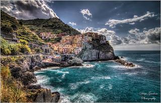 Manarola in HDR   5 terre   ---  Liguria