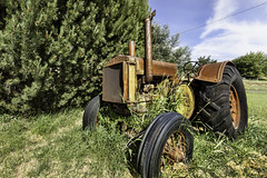 Old John Deere Tractor (Alan Vernon.) Tags: old tractor abandoned oregon rural vintage ancient rust farm farming vehicle disused rusting johndeere relic grassvalley