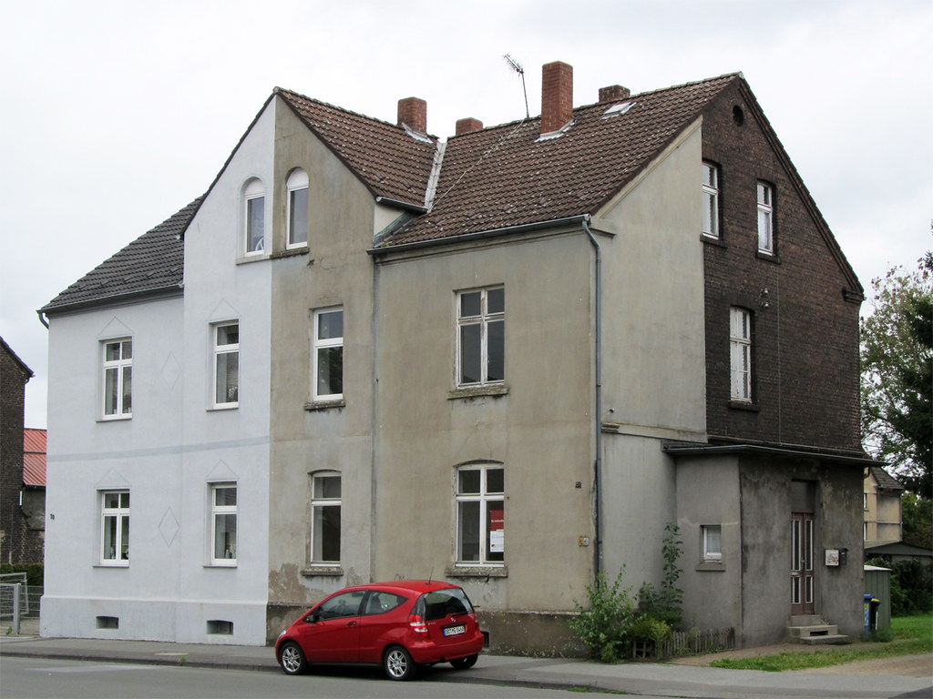 Dortmund (Oestrich)   Wohnhaus (.patrick.) Tags: Haus Grau Gebäude