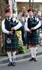 Steady Blowing (Alain Proviste) Tags: kilt scottish blowing uniforms bagpipes kilts pipers marollen bruegelfeesten