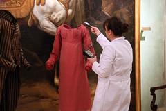 """Montaje de la exposición temporal """"La moda romántica"""" (Museo del Romanticismo) Tags: siglo xix museo del romanticismo moda romántica indumentaria"""