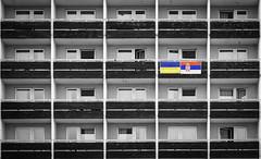 PA021235-Modifier-Modifier.jpg (chesneauolivier) Tags: immeuble urbain couleur noir blanc noirblanc drapeau bratislava