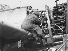 #Engine maintenance on a P-47 Thunderbolt fighter at RAF Manston... 1944.[1418x1070] #history #retro #vintage #dh #HistoryPorn http://ift.tt/2fiAkNP (Histolines) Tags: histolines history timeline retro vinatage engine maintenance p47 thunderbolt fighter raf manston 19441418x1070 vintage dh historyporn httpifttt2fiaknp