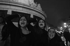_DSF0233 (sergedignazio) Tags: france paris street photography photographie fuji xpro2 internationale lutte violences femmes