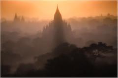 Myanmar. Bagan, la mystrieuse. (leonhucorne) Tags: bagan asie asia travel voyage tourisme myanmar birmanie paysage flickrtravelaward sunshine sunset