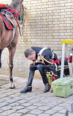 bootsservice 07 7928 (bootsservice) Tags: arme army uniforme uniformes uniform uniforms cavalerie cavalry cavalier cavaliers rider riders cheval horse bottes boots ridingboots weston eperons spurs equitation gendarme gendarmerie militaire military garde rpublicaine paris