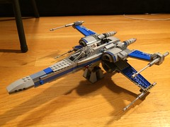 X-wing: Newest edition to my collection (love this color scheme) (jonahfox1) Tags: minifigure order first resistance awakens force one rouge xwing set lego wars star