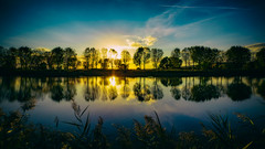 (Galep Iccar) Tags: tramonto sunset tree alberi acqua lago trasimeno