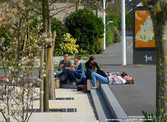 Relaxing (ernstkers) Tags: tours