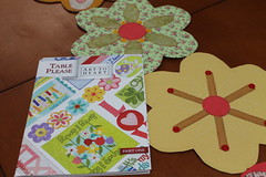 Art to Heart (ceciliamezzomo) Tags: flowers flores flower primavera table spring please handmade flor nancy patchwork runner halvorsen trilho arttoheart
