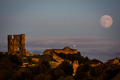 Castle Moon (Davescunningplan) Tags: moon castle coast dusk yorkshire scarborough northbay