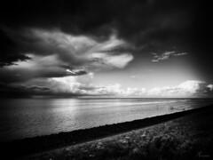 Buien boven de Waddenzee (PortSite) Tags: bw cloud white black holland art netherlands waddenzee nikon zwartwit nederland wolken dijk wit hdr dike afsluitdijk zw 2014 wart 荷兰 portsite fuiken staken lamerdeswadden d3s