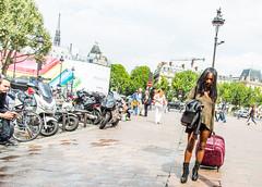 Paris - Candid & Streetshots V1 V1 (saigneurdeguerre) Tags: 3 paris france canon europa europe mark candid iii frana ponte 5d frankrijk francia parijs streetshot aponte photosderue antonioponte ponteantonio saigneurdeguerre