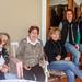 Familia reunida para um churrasco no domingo