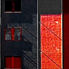 (tramontano.antonio) Tags: windows shadow window bravo shadows ombra ombre finestra minimalism finestre minima