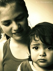Sister and mother. (Marianaok_) Tags: girls people beautiful sepia photography gente venezuela agosto lovely fotografia 2014