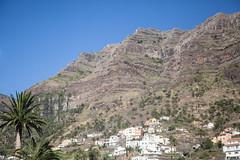 Precipice (Dlirante bestiole [la posie des goupils]) Tags: ocean mountain volcanic islascanarias canaryisland lagomera ilescanaries valledelgrandrey