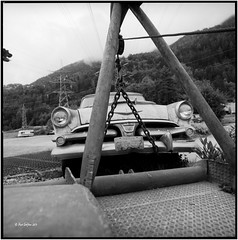 On the hook_Hasselblad (ksadjina) Tags: 6x6 film analog austria blackwhite scan oldtimer rotten tyrol haiming hasselblad500cm silverfast adoxaph09 nikonsupercoolscan9000ed carlzeissdistagon40mmf14 oiler69