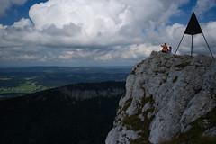 Le Chasseron . Suisse (Toni_V) Tags: sky clouds schweiz switzerland europe suisse hiking 28mm rangefinder jura svizzera wanderung m9 vaud 2014 svizra waadt lechasseron elmaritm 140906 ©toniv leicam9 jurahöhenweg noiraiguestecroix l1018604