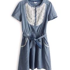 ชุดยีนส์ แฟชั่นเกาหลี ผู้หญิง Lace Dress นำเข้า - พร้อมส่งTJ7095 ราคา750บาท ชุดยีนส์แขนสั้นใส่สบายคอกลม ด้านหน้าช่วงอกแต่งลูกไม้สีขาวดูนุ่มละมุนพริ้วไหว เอวยืดไดเและเก๋มี่มีโบว์ผูกเอวแบบมีลายจุด ไซส์ : อก 33-36 เอว 26-33 สะโพก 33-38 ยาว 34 นิ้ว วัสดุ : Co