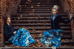 Autumn Stories (Andreas-Joachim Lins Photography) Tags: andreasjoachimlins olympusm1 leicanocticron portrait mode fashion vogue women girls female young beauty beautiful pretty sexy cute glamour autumn leaves herbst frauen stairway treppe treppenstufen