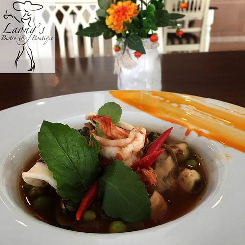 แกงป่า ทะเล Jungle Curry with Fresh Seafood  #jomtien #jomtienbeach #laongs #bistro #fusionfood #pattaya #อาหารไทย
