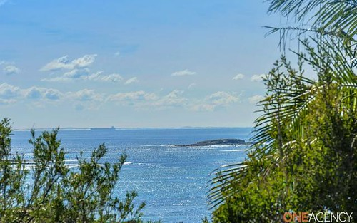 18 Emerald Close, Caves Beach NSW 2281