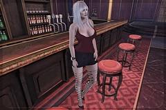 Waiting at the bar (li l) Tags: blueberry c88 tdr vinyl empire lamb