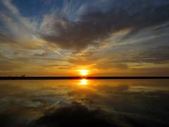 IMG_0044x (gzammarchi) Tags: italia paesaggio natura mare ravenna lidodidante alba sole nuvola riflesso