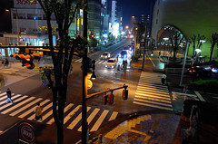 Day 291/366 : Misty Night (hidesax) Tags: 291366 mistynight ageo night misty intersection passersby cars head lights signals saitama japan hidesax leica x vario 366project2016 366project 365project