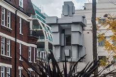 20161023 London 04052 (R H Kamen) Tags: antonygormley london mayfair uk westminster architecture buildingexterior builtstructure day hotel outdoors rhkamen sculpture