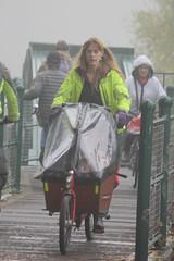 People carrier (alasdair massie) Tags: cycling cycle river cambridge rivercam cyclist cyclepath bridge bike bakfeits path mist october cargobike child