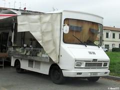 1976 Fiat 242 autonegozio (Alessio3373) Tags: furgone van oldvan autonegozio autoshop fiat fiat242 fiat242autonegozio autoshite streetmarkets