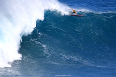 IMG_3089 copy (Aaron Lynton) Tags: surfing lyntonproductions canon 7d maui hawaii surf peahi jaws wsl big wave xxl