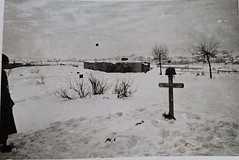 #German soldier mourns a fallen comrade (c. 1943) [639x595] (OC) #history #retro #vintage #dh #HistoryPorn http://ift.tt/2fCneIt (Histolines) Tags: histolines history timeline retro vinatage german soldier mourns fallen comrade c 1943 639x595 oc vintage dh historyporn httpifttt2fcneit
