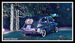 Seat 600 (Manu Varela - Fotografa Aeronutica y algo ms) Tags: coche automvil azul blue fiesta party navidad seat 600 utilitario antiguo pasado verde hierba campo evento show corua ramiro josmaga