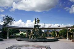 Plaza de Armas de Lamas (victor mendivil) Tags: plaza peru nikon monumento selva sigma turismo lamas nube sanmartn atahualpa franciscopizarro 18200mmf3563dcos d7000 victormendivil plazadearmasdelamas