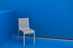White on Blue [Explored] (The_Kevster) Tags: leica blue light white art museum chair gallery shadows rangefinder luxembourg summicron50mm explored mudam leicam9