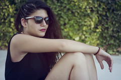 Maria (Luca Lpez) Tags: sunset portrait girl sunglasses atardecer chica retrato adolescente young teen teenager redlips gafas joven gafasdesol labiosrojos