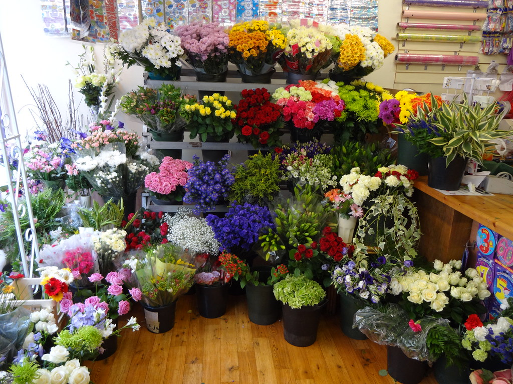 The worlds best photos of florist and funeral flickr hive mind forget me not florist stock shepton mallet tags street wedding flower work balloons izmirmasajfo