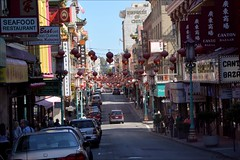 Chinatown, San Francisco. (Margot) Tags: sanfrancisco street america chinatown streetlife lampion margotpouw margot vacation2014