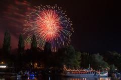 Fireworks @ Latern Festival Halle 2014 (MR-Fotografie) Tags: bridge color castle water festival river nikon wasser firework nikkor brcke fluss latern burg farben feuerwerk saale hallesaale laternenfest giebichenstein 18105mm d7100 mrfotografie latern14
