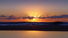 Sunrise, Waves, Reflection and a Splash (Ricardodaforce) Tags: espaa sun sol beach valencia sunrise reflections spain playa alicante amanecer reflejos alacant salidadelsol lx7 playadesanjuan lumixlx7 panasoniclumixlx7
