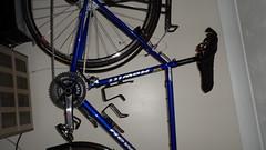 Hewitt Cheviot Touring Bike Flamboyant Blue (Large) (drbw120367) Tags: hewittcheviotinflamboyantbluelarge shimano xtr xt dura ace chris king deda thomson kcnc dt swiss continental gator hardshell alpine iii oversize100 elitex4avidshorty6duraacestidtswisstk540chriskingsramcateyenimacateyeld600ptfeduraacecablethomsonskscontinentalgatorhardshellblackburncl2ex2reynolds631700x28 tourer racing handlebars touring bike retro pannier bolts bespoke reynolds elite x4 hudz orings ptfe 36 spokes black mudguards hewitt cycles crystal swarovski presta valve mountain mudflap friction 443222t bars stem seatpost saddle b17 special carbon spacers 272mm 318mm 18 1132t 10 speed 28mm 1725mm 116l flamboyant blue classic british steel vintage cheviot silver brooks