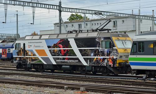 Voralpen Express passes through Rapperswil