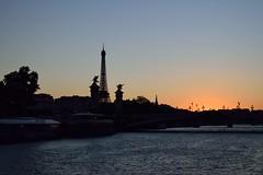 Paris Sunset (lauramramrodr) Tags: paris francia france tour torre eiffel seine sena ro airelibre