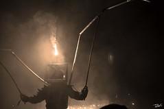 Correfoc 043 (Pau Pumarola) Tags: correfoc foc fuego feu fire feuer guspira chispa étincelle spark funke festa fiesta fête fest diable diablo devil teufel catalunya cataluña catalogne catalonia katalonien girona diablesdelonyar